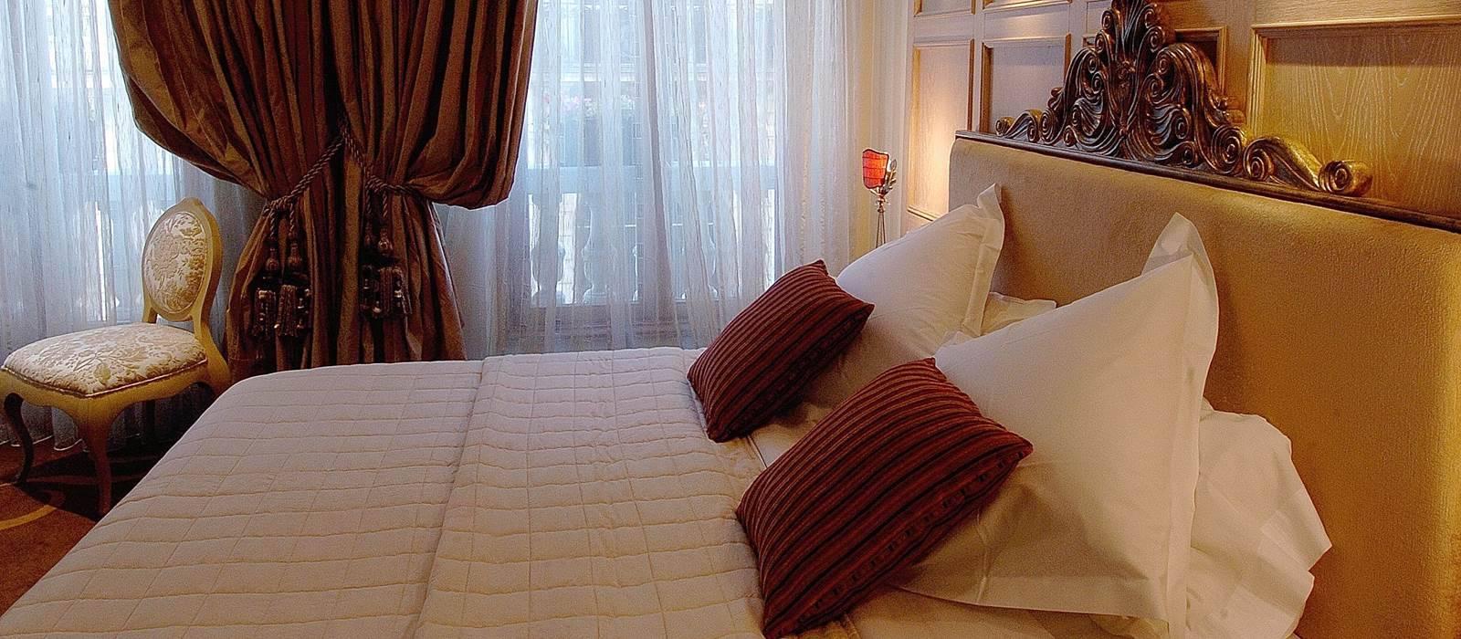 d coration h tel de luxe rue vernet paris couture d 39 ameublement sur mesure sud de la france. Black Bedroom Furniture Sets. Home Design Ideas