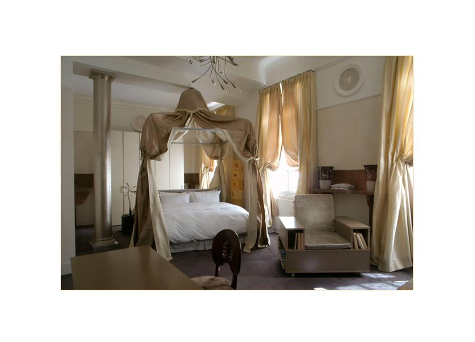 Chambres d 39 h tes de luxe aix en provence le 28 a aix couture d 39 ameublement sur mesure sud - Chambre d hotes salon de provence ...