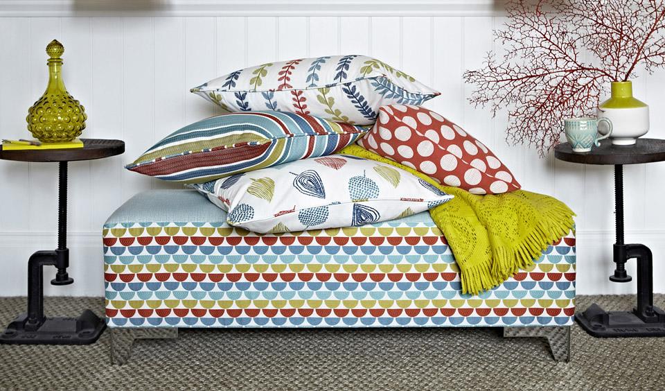 prestigious textiles tissus et papier peints couture d 39 ameublement sur mesure sud de la. Black Bedroom Furniture Sets. Home Design Ideas
